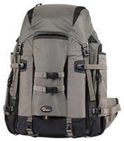LowePro Pro Trekker 400 AW grau  Kamerarucksack, reichlich Platz für 1-2 SLR mit angesetztem Objektiv (bis 400/2.8), 4-6 zusätzliche Objektive, 2 Blitze, Stativ oder Einbeinstativ, Zubehör und persönliche Ausrüstung sowie Notebook bis 15.4'