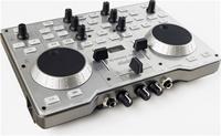 Hercules DJ Console PC MK4  2 Jogwheels zur Navigation in den Tracks, 1 Crossfader, 2 Lautstärkefader, 2 Pitchregler (Drehpotis), 6 EQ Potentiometer, 2 Stereoausgänge